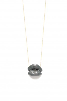 Kiss Necklace_Smoke